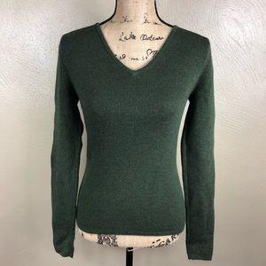 Sarah Spencer v-neck wool blend sweater.